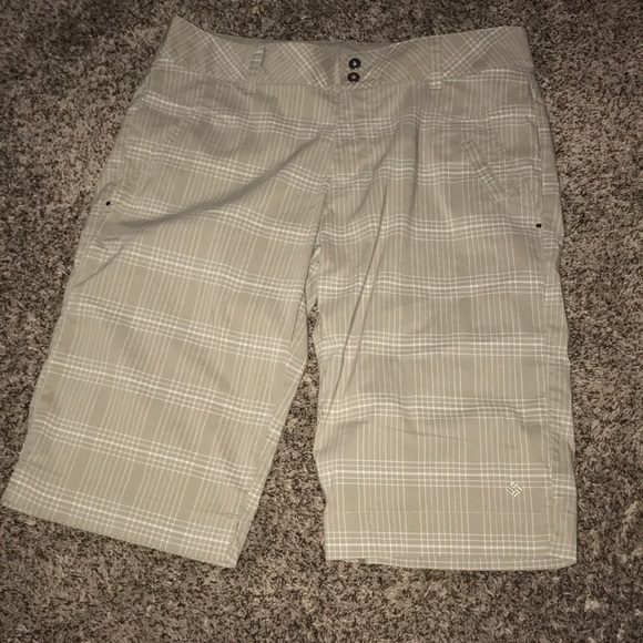 Columbia Pants - NWOT Colombian shorts size 8